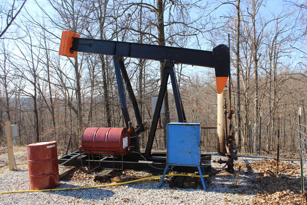 New KGS publication analyzes oil and gas production in