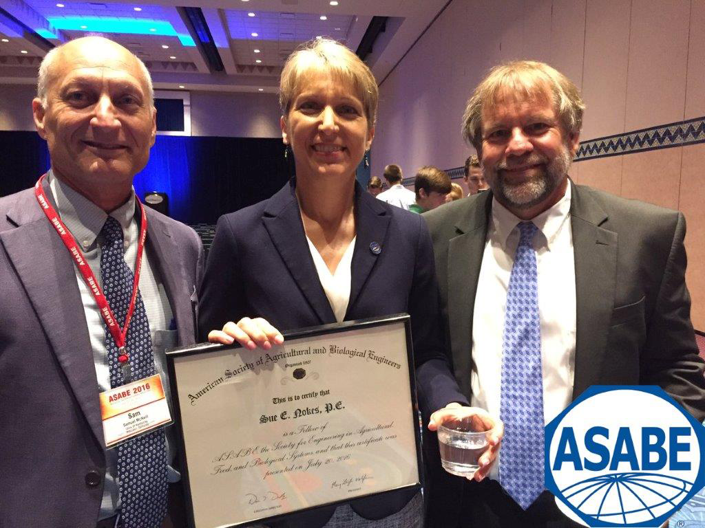 Sue Nokes upon receiving ASABE Fellow award