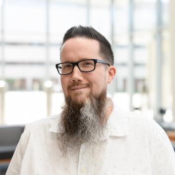 Photo of Dr. Daniel Harris