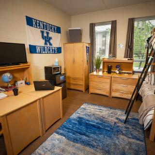 Photo of bedroom in Smith Hall