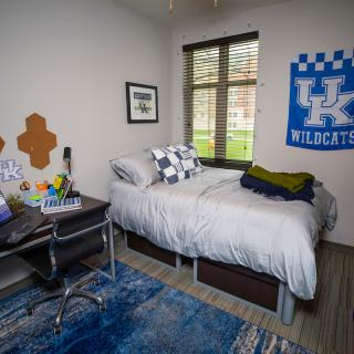 Photo of bedroom in Woodland Glen III