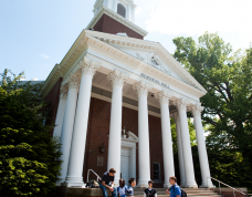 UK students enjoy conversation in fornt of the historic Memorial Hall